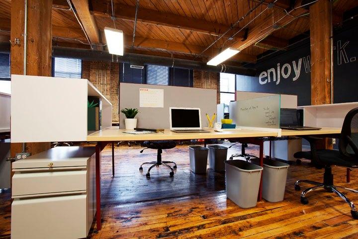 onward coworking desk