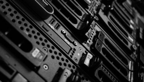 Apple chooses Iowa for $1.3 billion data center